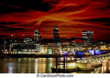 város égvonal, london, éjszaka