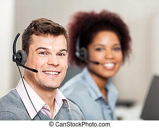 vásárló, kolléga, munka hivatal, szolgáltatás jellemző