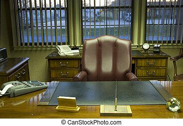 végrehajtó hivatal