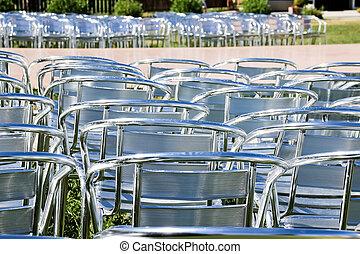 vagy, ügy, üres, fém, festival., use., elrendez, installed, előadás, chairs., elhelyez, szék, ezüst, sok, tanácskozás, előkészít, evez, néhány, párhuzamos, esemény