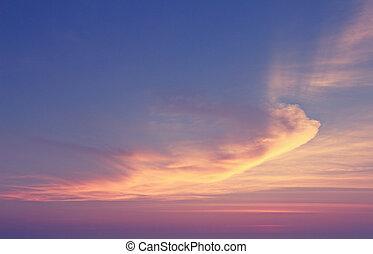 vibráló, hajnalodik, drámai ég, felhő