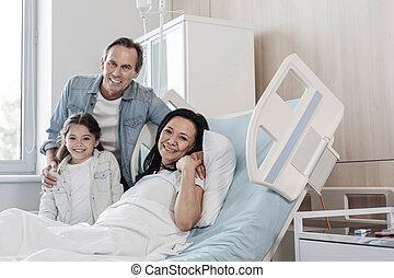 vidám, látogató, kórház, atya, -eik, anya, lány
