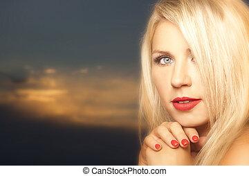 vidám woman, fiatal, gyönyörű