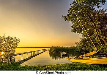 vitorlás hajó, napkelte, tó, nádas