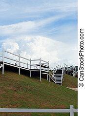 white ég, kerítés