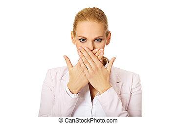 woman ügy, neki, fedő, fiatal, két, száj, kézbesít