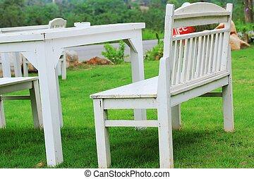 wooden asztal, fehér, pázsit