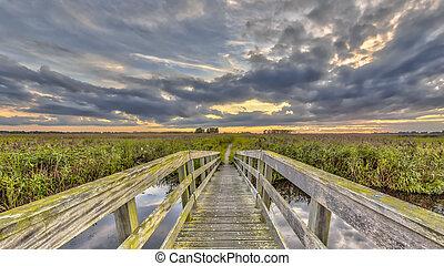wooden bridzs, gyalogló, útvonal