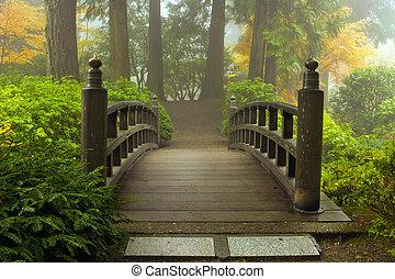 wooden bridzs, japanese kert, bukás